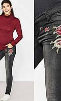 Джеггинсы для беременных с вышивкой