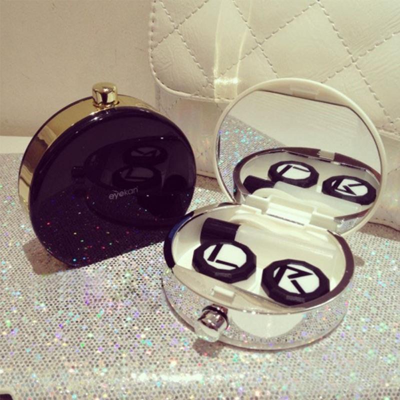 Контейнер для контактних лінз з дзеркалом