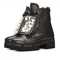 Модные зимние женские ботинки из нубука с лазерной обработкой, на плотной подошве, на натуральном меху.