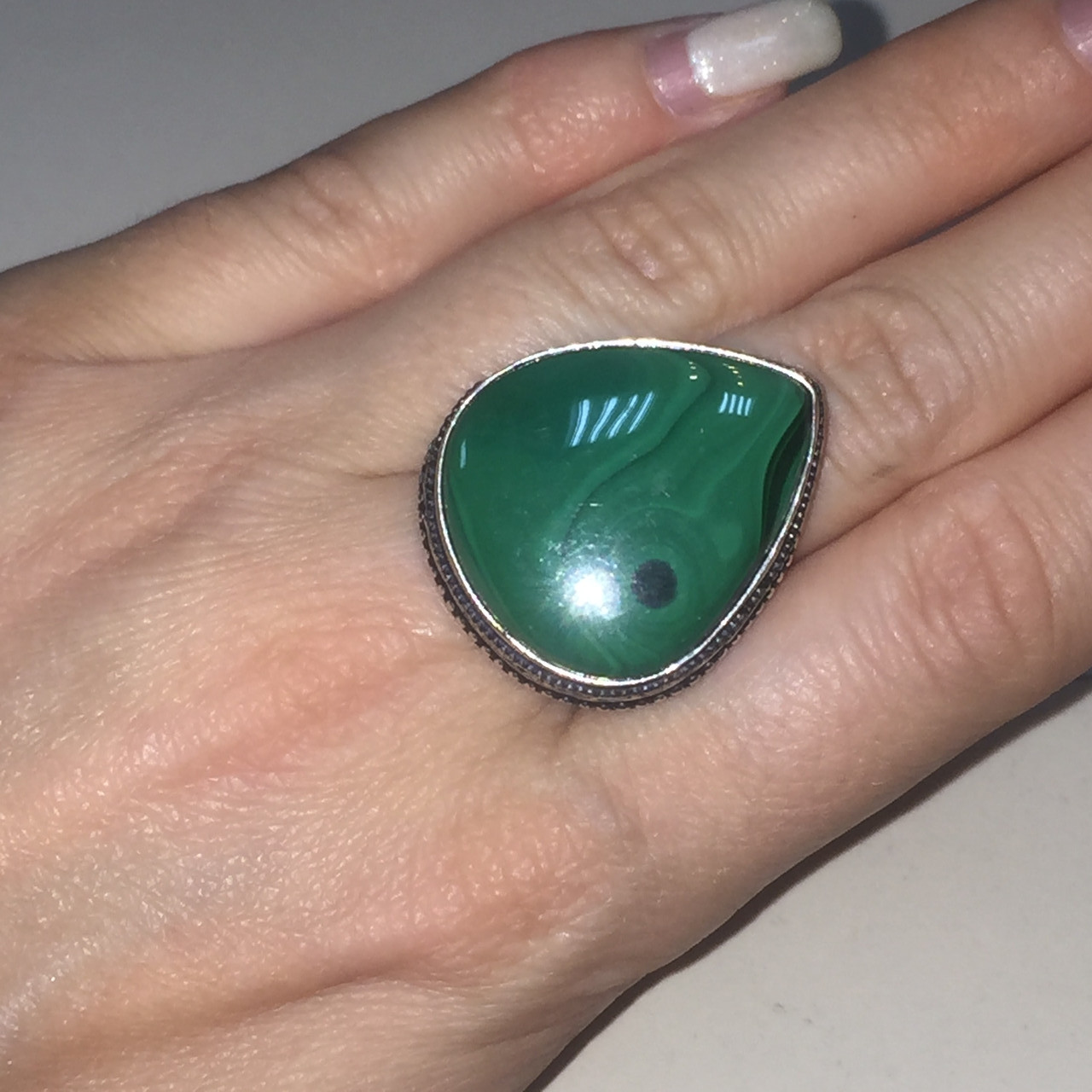 Малахит кольцо капля с малахитом в серебре 18.5 19 размер Индия