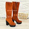 Сапоги рыжие женские замшевые   на высоком устойчивом каблуке, декорированы ремешком., фото 2