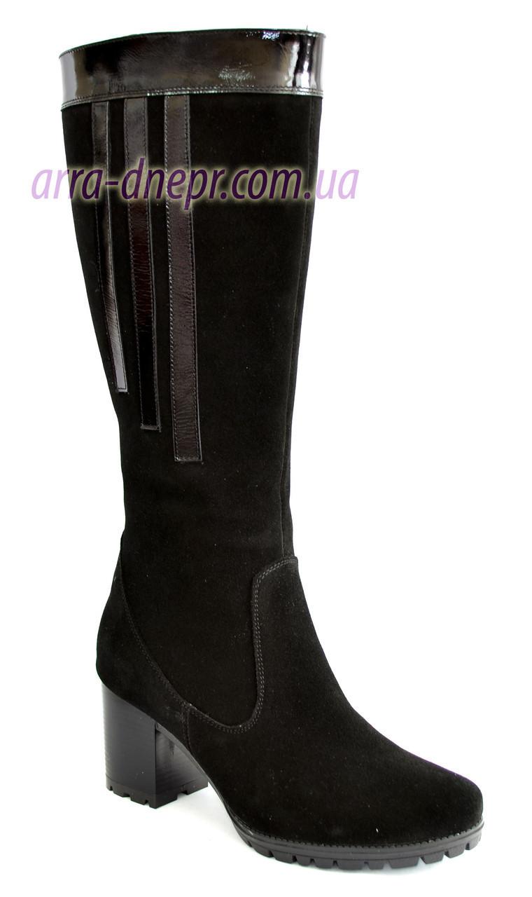 Женские классические замшевые сапоги на невысоком каблуке, зимний вариант