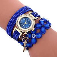 Женские наручные часы с подвеской