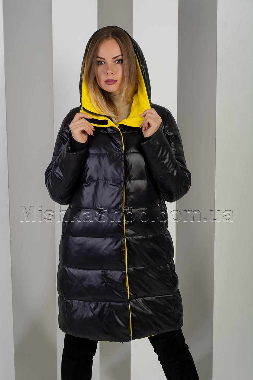 Зимний модный пуховик чёрного цвета с яркой жёлтой подкладкой Towmy 2528