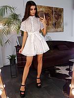 Белое платье мини с вышивкой ришелье приталенное поясом, фото 1
