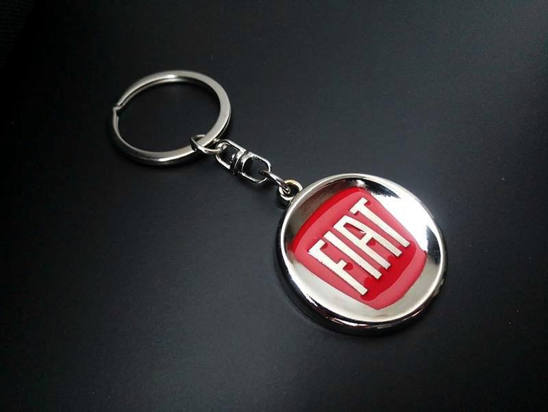 Брелок на ключи с логотипом Fiat (Фиат)