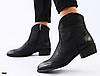 Ботинки женские из черной матовой кожи с затиранием носа и пятки