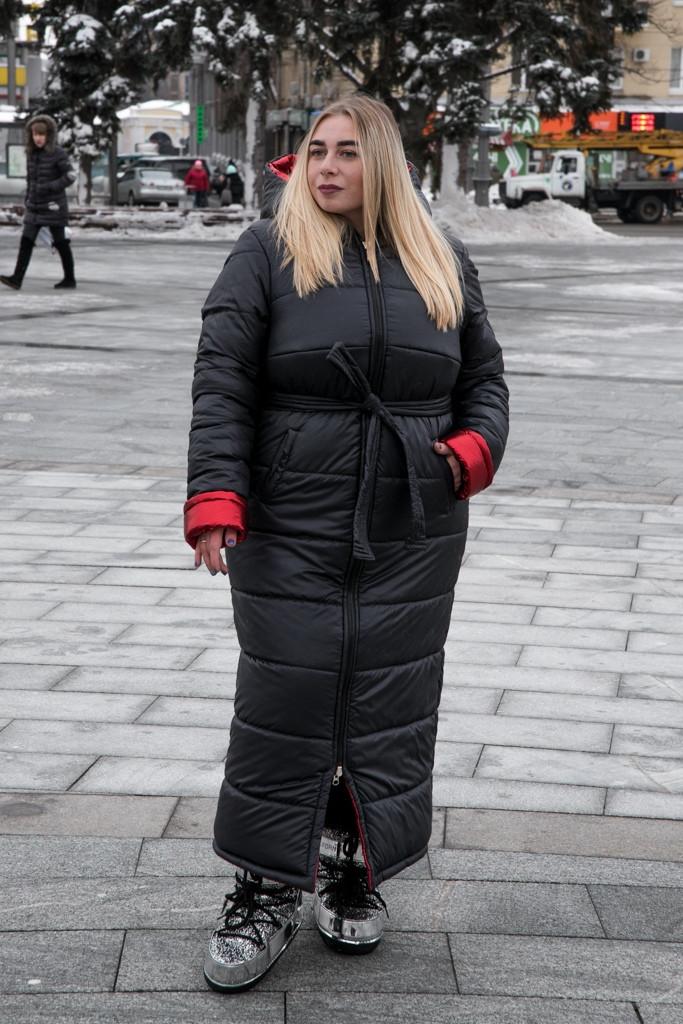 Длинное плащевое пальто в больших размерах с капюшоном vN602