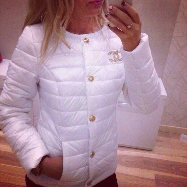 5156a3b0175 Женская куртка шанель белая  продажа