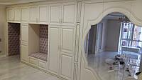 Мебель на заказ под интерьер Днепр. Шкафы-купе. Большой шкаф на всю прихожую в стиле классика., фото 1