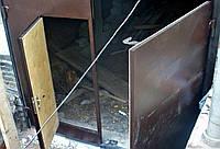Ворота в гараж распашные утепленные