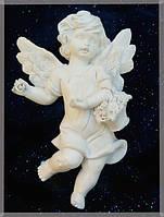 9260339 Ангел с корзинкой