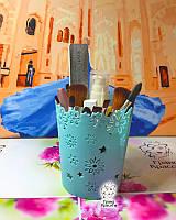Пластиковой органайзер для косметики с цветочным обрамлением