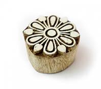 9160000 Штамп для батика из красного дерева малая Цветок №1