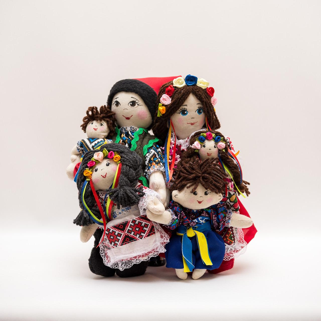 Украинская семья Vikamade набор кукол в национальном костюме.