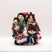 Украинская семья набор кукол в национальном костюме.