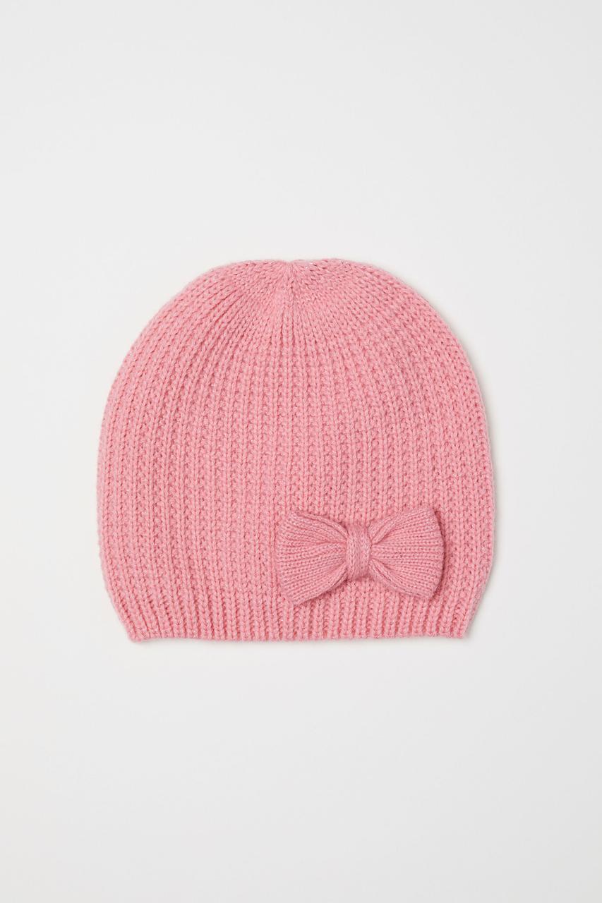 Детская розовая вязанная демисезонная шапочка Бантик для девочки