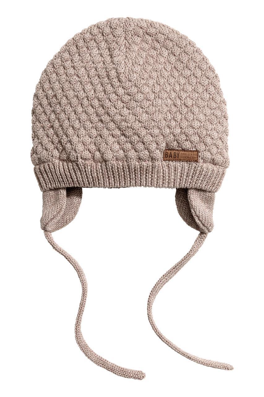 Детская демисезонная вязанная шапочка