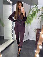 Стильный деловой женский костюм атлас