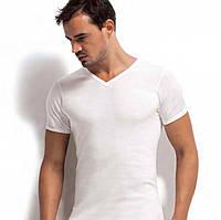 Мужская футболка однотонная с V-образным вырезом