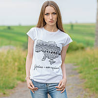 """Женская патриотическая футболка """"Україна - моя країна"""" (белая)"""