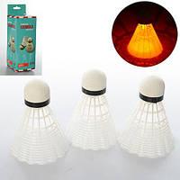 Воланчик MS 0454 3шт, белый пластик, 8см, свет,на бат-ке, в кор-ке, 6,5-6,5-19,5см