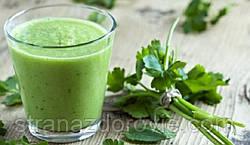 Сок петрушки - один из сильнейших соков по воздействию на организм.