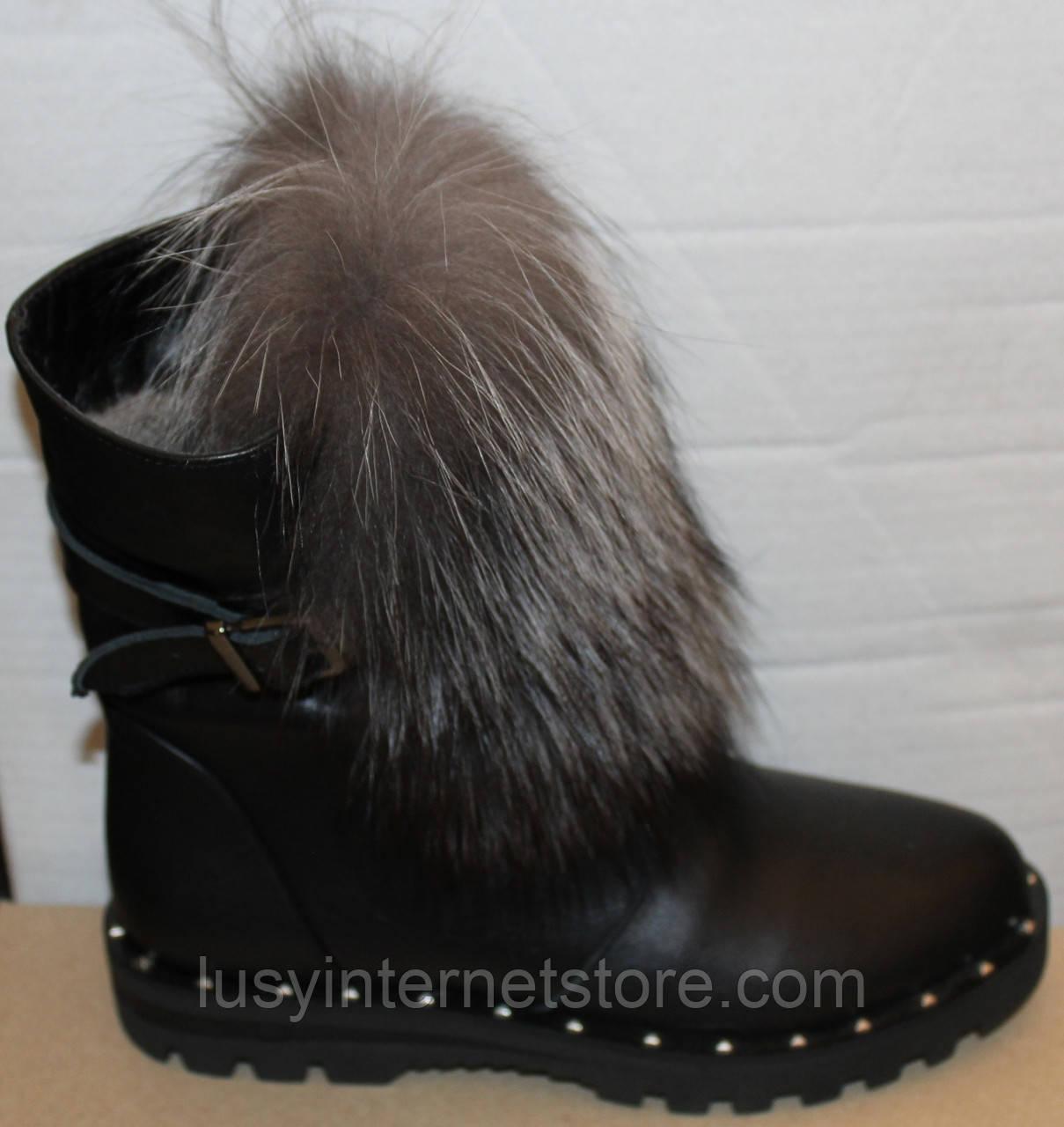 Ботинки молодежные женские с натуральным мехом на каблуке от производителя модель УН436