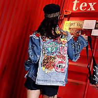 Жіноча джинсова куртка Simplee рванка Hard Rock Cafe з кольоровим принтом