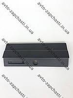 Крышка вещевого ящика ВАЗ 2105