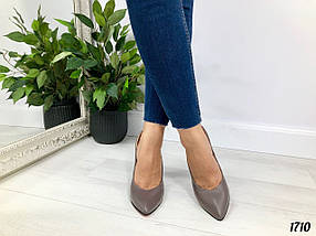 Туфли коричневые женские на каблуке, фото 2