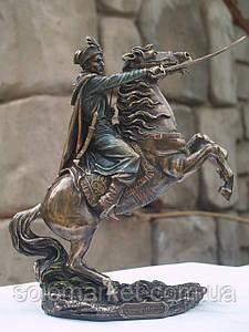 Статуетка Veronese Гетьман на коні 22 см 02440