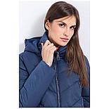 Зимовий жіночий пуховик Finn Flare A17-12015-114 стьобаний з подовженою спинкою синій, фото 5