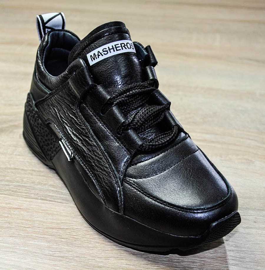 Кроссовки черного цвета на шнуровке и высокой подошве для девочки, Masheros