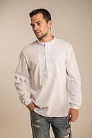 Белая мужская рубашка с геометрическим орнаментом