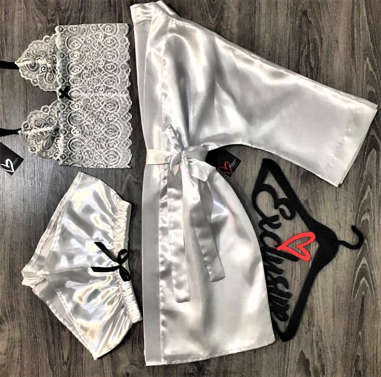 Белый молодежный набор одежды для сна и дома.