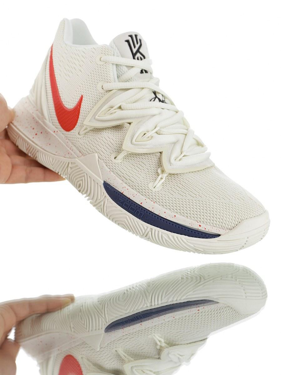"🔲 Баскетбольные кроссовки Nike Kyrie 5 ""UConn Huskies"""