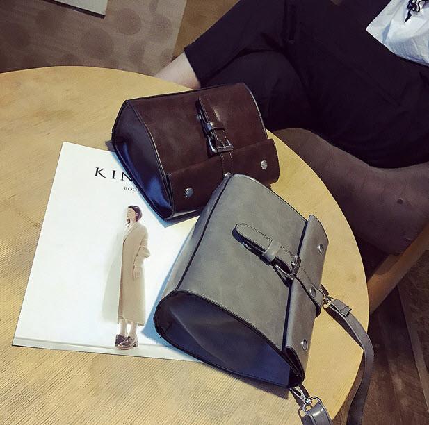 Стильныя небольшая сумочка с мраморным оттенком