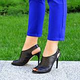 Женские кожаные черные босоножки на шпильке, фото 2