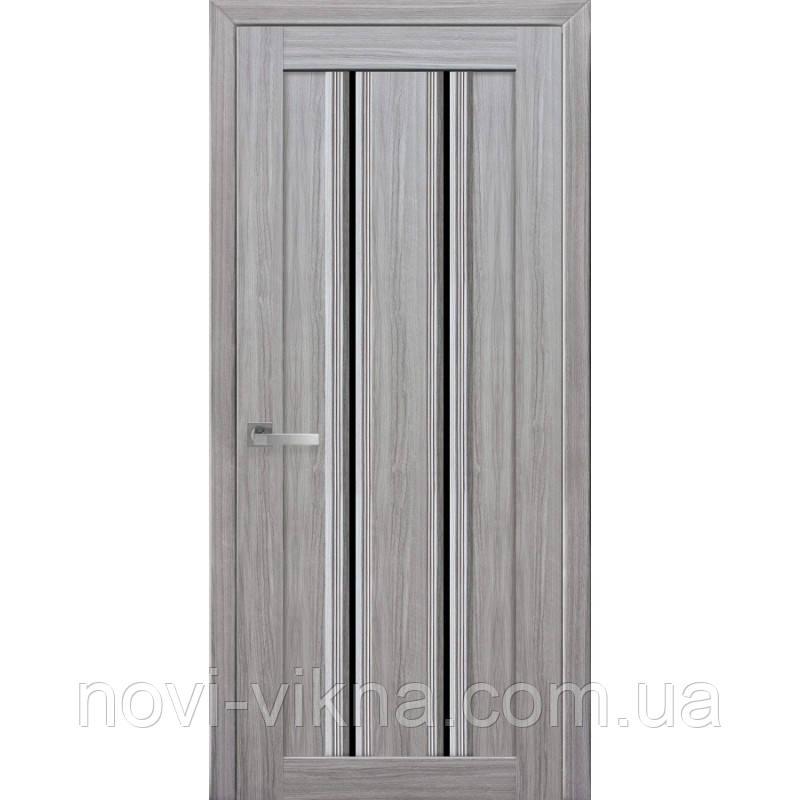 Дверь межкомнатная Верона С1 жемчуг серебряный 900 мм со стеклом BLK (черное).