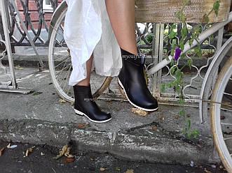 Резиновые сапоги женские Стильные Чёрные с белой подошвой Размеры 36-41