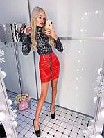 Лаковая юбка с молнией спереди, красная