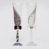 Свадебные бокалы в черно-белых тонах