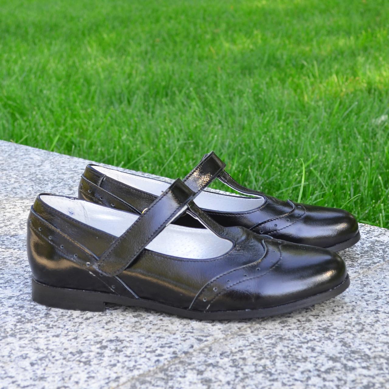 Туфли черные лаковые для девочек