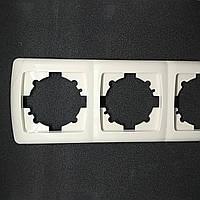 Рамка тройная vi-ko carmen белый , крем (слоновая кость (бежевый))
