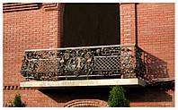 Кованый балкон  для дачного будынка В2