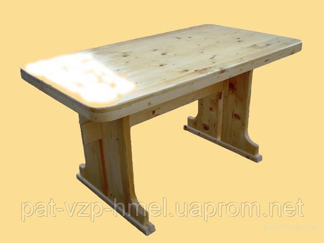 Деревянный стол в кухню