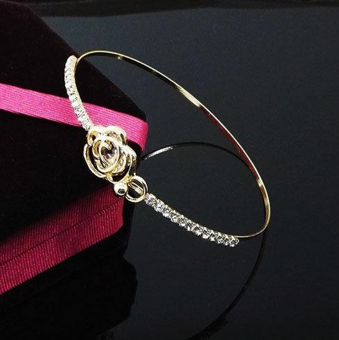 Женский браслет металлический Роза