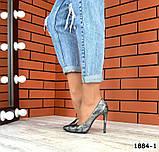 Классические кожаные туфли лодочки на шпильке под рептилию, фото 5