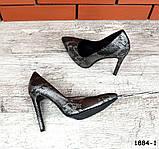 Классические кожаные туфли лодочки на шпильке под рептилию, фото 3